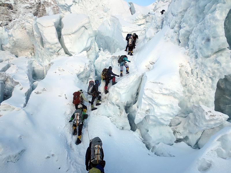Climbing-in-Khumbu-Icefall