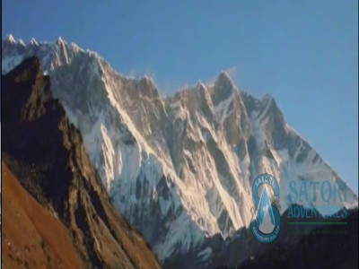 Chhukung Re Peak climbing in Everest Nepal