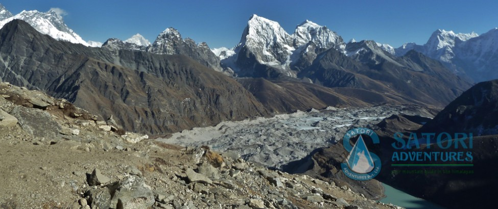 everest renjo la pass trek64