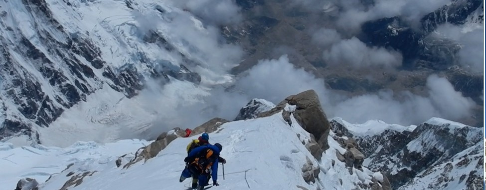 Group Decent from Summit of Kanchenjungha
